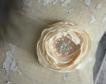 Bridal sash, Blush and ivory wedding dress sash, Blush and ivory fabric flower dress sash