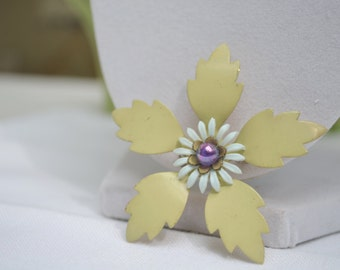 Enamel Brooch, Flower Pin, Floral Brooch, 1960s Brooch, Yellow Floral Brooch, Floral Pin, Brooch, Yellow Brooch, Vintage Brooch, Pin