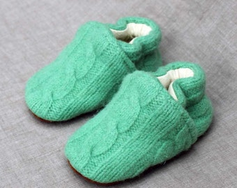 Green Cable Wool Slippers Kids Size 12-18 months old made from recycled materials