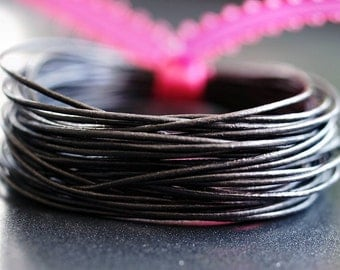 Round Leather .5mm Fine Cord Metallic Gunmetal : 15 Feet