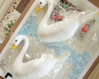 Pressed Cotton Swans / Set of Two / Vintage Craft Supply / Wedding Decorations / Cake Topper