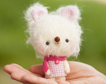 Bunny plushie / miniature amigurumi softie / blythe toy pet- made to order- Lina