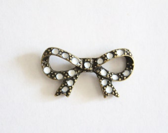 Vintage brass bow with white enamel polka dots pendant charm link connector 28x15mm