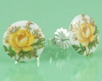 Vintage Glass Yellow Flower Post Earrings
