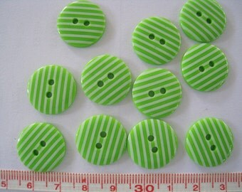 28pcs of  Green Stripe  Button - 18mm