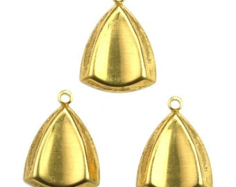 Curved Triangle Charm or Pendant Raw Brass (6) CP234