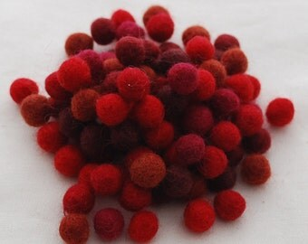 1cm / 10mm - 100% Wool Felt Balls - 100 Count - Assorted Red Color Shades