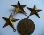 Vintage Brass Drops, 1970s 5 Point Star Pendants, Fully Dapped Unplated Stampings, Jewelry Findings or Embellishments, 21mm, 3 pcs. (C4)