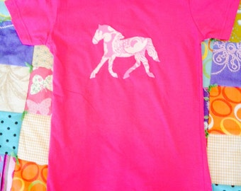 Hot pink and floral pony horse tshirt size girls Large 14-16