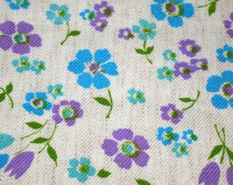 "vintage 80s cotton fabric, featuring pretty floral print, 21.5"" x 38"""