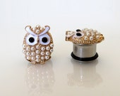 """White Pearl Owl Studs / Plugs Gauges Stretchers Earrings / Stretched Gauged Ears / 2g, 0g, 00g, 7/16"""" (5mm-11mm)"""