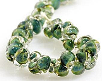 10 Reptile Green Teardrop Handmade Lampwork Beads - 11mm (21107)