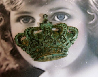 Verdigris Patina Large Ornate Crowns With or Without a hole 398VER x2