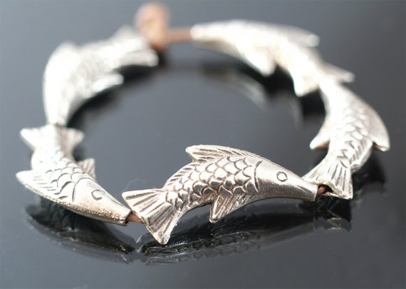 Thai Silver leaping fish beads - pure silver bead set of 5 curved three dimensional puffed fish - thailand silver jewelry supplies - Pisces