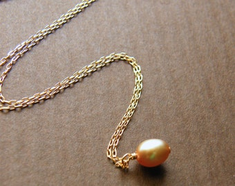 Tiny Blush freshwater Pearl and Gold Filled Necklace - Pearl Necklace - Dainty Pearl Necklace