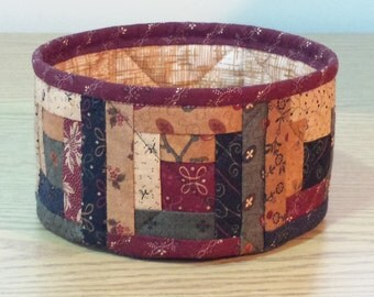 Quilted Fabric Bowl - Log Cabin (XbowlS)