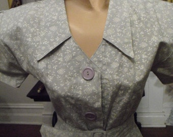 REDUCED  Vintage 50's Green Sage Wiggle with a peekaboo back and Button split.