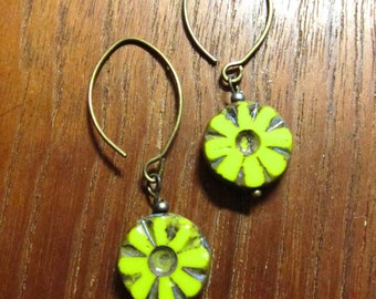 CHARTREUSE FLOWER - Czech Glass Earrings