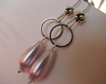Pale Lilac Teardrop Pearl and Silver Earrings, Light Lavender Pearl Earrings