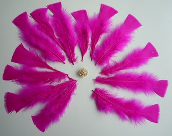 TURKEY FEATHERS Loose Feathers , Hot Pink / 913