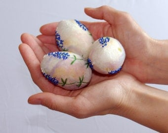 Easter eggs/ hand felted Easter decoration/ pastel Easter eggs/Texas Bluebonnets/ Best wishes from Europe- made to order