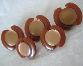 Rust Bakelite Modern Buttons Thermoset Vintage Five 5 Brown-Orange