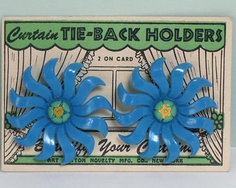 2 Sets of Curtain Tie-Back Holders, 1940s Blue Flowers Push Pins by the Art Button Novelty Company on Original Cards