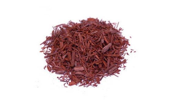 Copeaux de bois de santal rouge 1  ~ Bois De Santal Rouge
