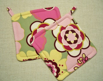 Pink Floral Potholders, Insulated Pot Holders, Set of 2 Hot Pads, Trivets, For the Cook, For the Kitchen, Made in America