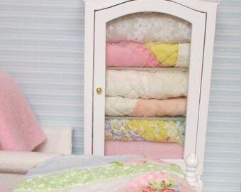 Shabby Style Quilt Hutch