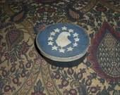 Paper Mache Vintage Patriotic Blue Colonial Box