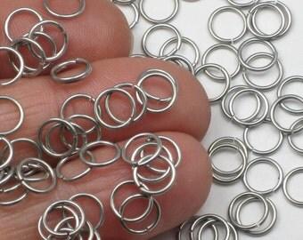Aluminum Jump Rings, 21 gauge, 5.20mm ID, 6.55mm OD, 100 Lightweight and Saw Cut Dark Silver Tone, Won't Rust or Tarnish, 0.75mm Grey Wire
