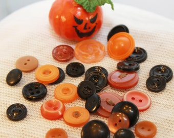 Vintage - Imported Halloween Collection - Orange and Black Button Destash Fun Pk (30)