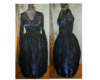 Gown Victorian vintage 80s 50s style Masquerade midnight blue black lace