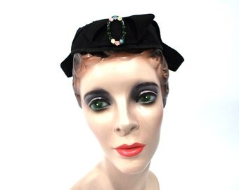 1940s cap vintage 40s small black wool hat buckle detail hat