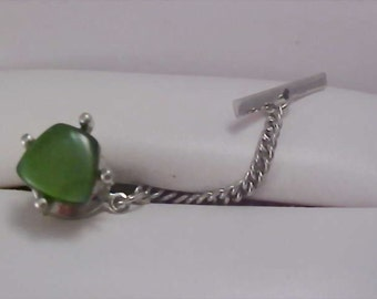 STUNNING  Jade Green & Silver Plate 1950's Tie Tac