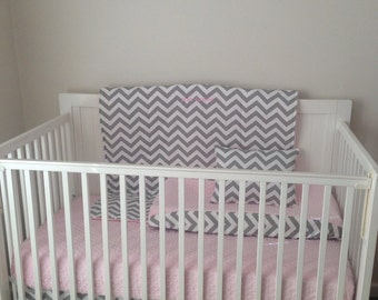 Bumperless Pink and Gray Modern Crib Bedding