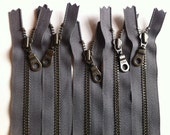 YKK Antique Brass Metal Donut Pull Zippers (5) Pieces - Gun Metal Gray 860- Available in 4,5,6,7,8,9,10,11,12,14,16,20,22 and 24 inches