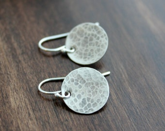 Darkened Hammered sterling silver round circle disc earrings, Sterling silver ear wire, Brushed Satin finish, Textured, Modern Dot, oxidized