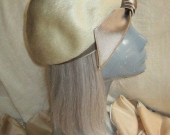 Vintage wool fur blend pale taupe hat,  taupe satin ribbon trim fur blend hat or beret, hat by Brigitte, made in Italy