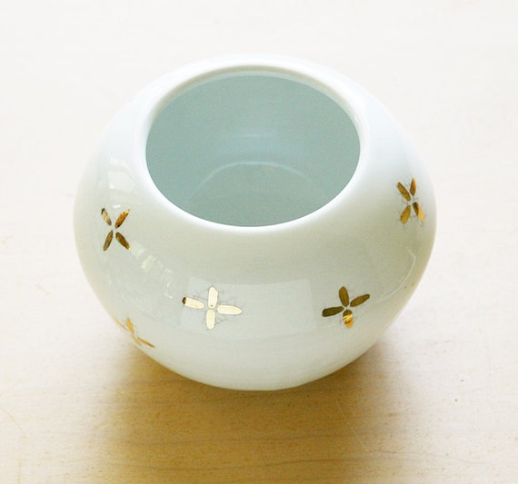 Wheel Thrown Porcelain Bowl  in white with Gold China paint  plus pattern