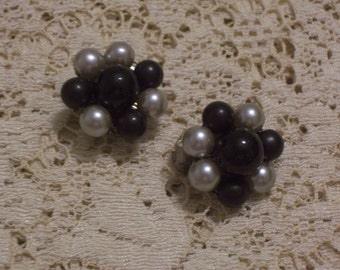 Vintage Black and Gray Earrings - Clip Ons