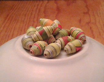 Hand-rolled Paper Beads: Green & Red