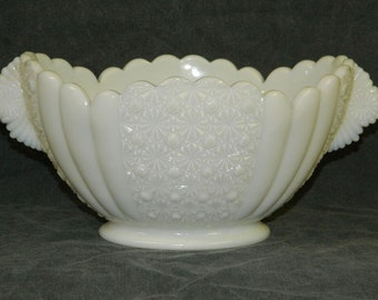 Milk Glass Bowl Vintage Oval Footed Heavy White Pinwheel Starburst  Pattern Fruit Scalloped Rim Handles CrabbyCats, Crabby Cats