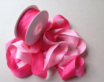 1 metre of 25mm silk ribbon (V045 variegated hot pink)