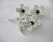 Sarah Coventry Brooch & Earrings Flower Silver Rhodium Plated 1970's