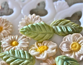 candy flowers-gumpaste flowers-candy embellishments-marzipan flowers-marzipan-gumpaste-cupcake flowers-cupcake decorations