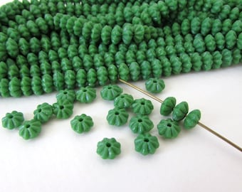 Vintage Czech Glass Flower Beads Emerald Green Spacer Rondelle 6mm vgb0821 (30)