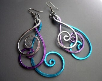 Hammered Peacock BOLD Long Swirly Spiral Feather Aluminum Earrings, Blue Purple Silver