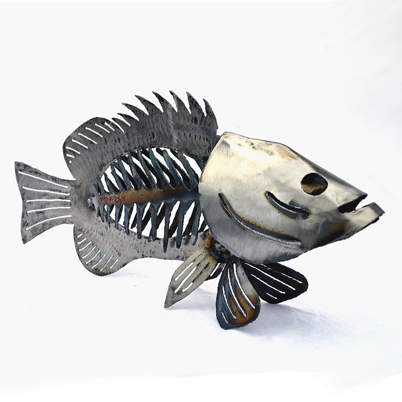 Metal fish sculpture cabin fish decor lodge bass artwork for Metal fish art wall decor